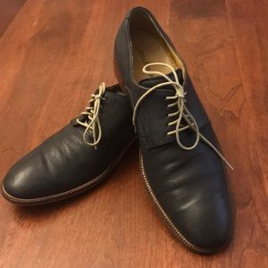 Cole Haan navy blue oxfords
